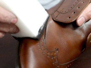 creme e cera per il finissaggio di calzature